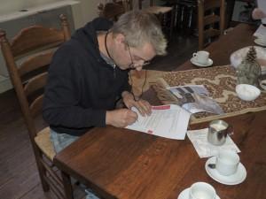 Het tekenen van de opdrachtbevestiging.