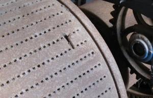 Hier is goed te zien hoe je de afstand tot het gaatje kan regelen met verschillende afmetingen van de noten