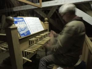 Beiaard spelen is heel wat heftiger dan pianospelen.