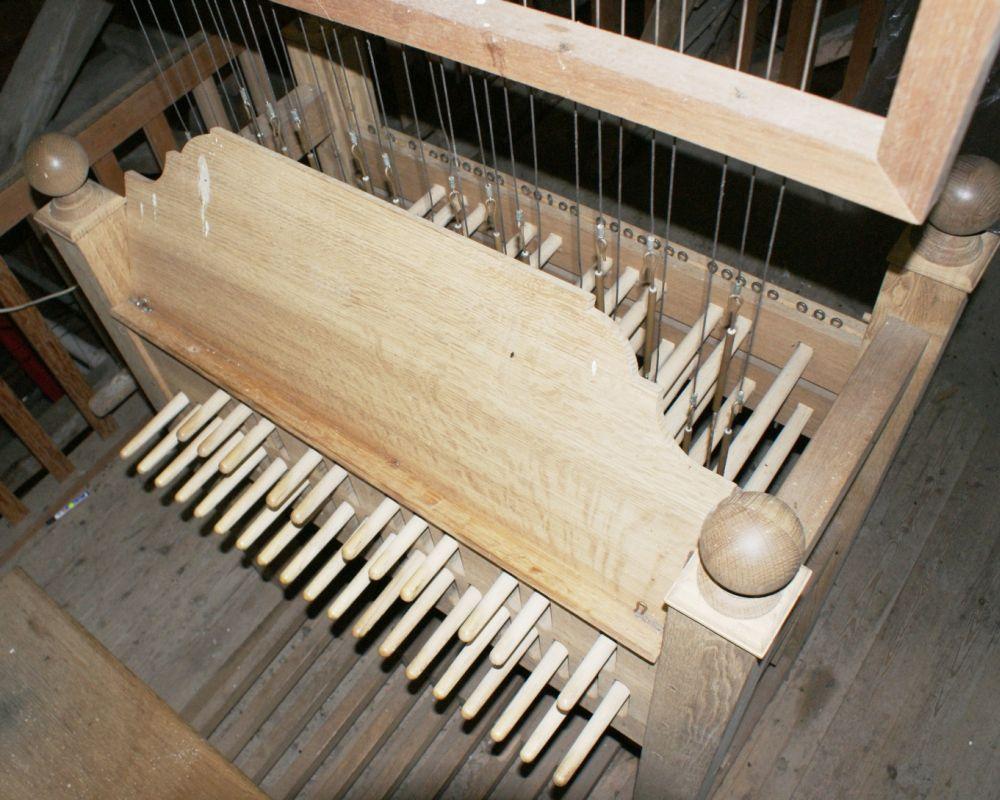 Het klavier van het Middelstumse Hemony Carillon.