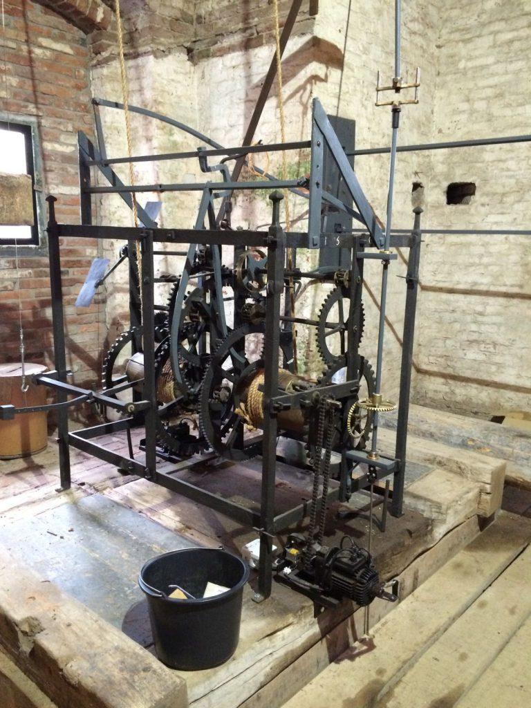 Het uurwerk uit 1561 is gerestaureerd.