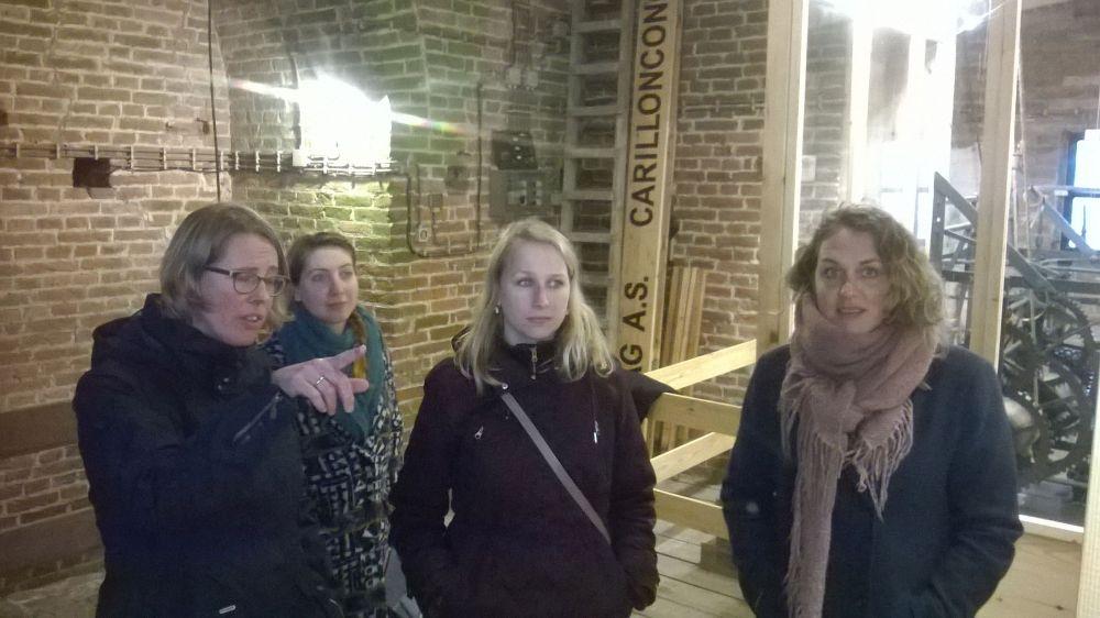 De dames van Catharijneconvent op bezoek.